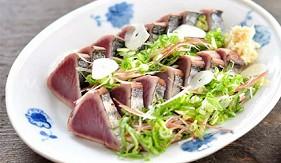 日本高知炙燒鰹魚炙烤半熟生魚片