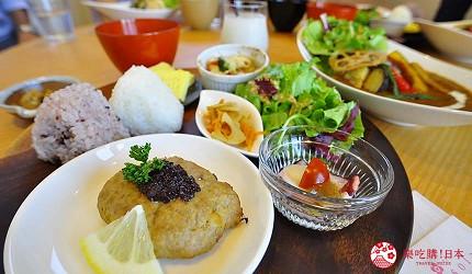 日本越光米的故鄉北陸「福井」的味噌店「米五 みそ楽」咖啡廳的大豆味噌漢堡排定食