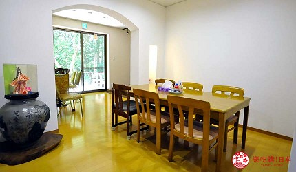日本越光米的故鄉北陸「福井」的農家餐廳「かじかの里山殿下」店內座位