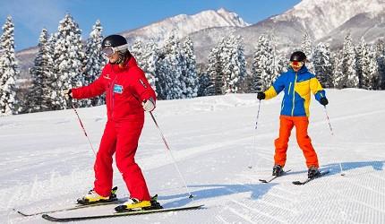 日本新潟「樂天新井度假村」(ロッテアライリゾート)滑雪場滑雪中