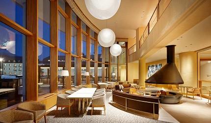 日本新潟「樂天新井度假村」(ロッテアライリゾート)的住宿棟大廳
