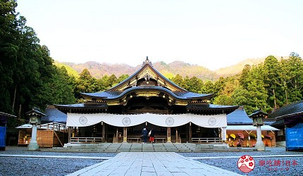 台灣香港已有直航的新潟縣新自由行觀光旅行熱點燕市彌彥村4日3夜行程推薦推介前往的彌彥神社的正殿
